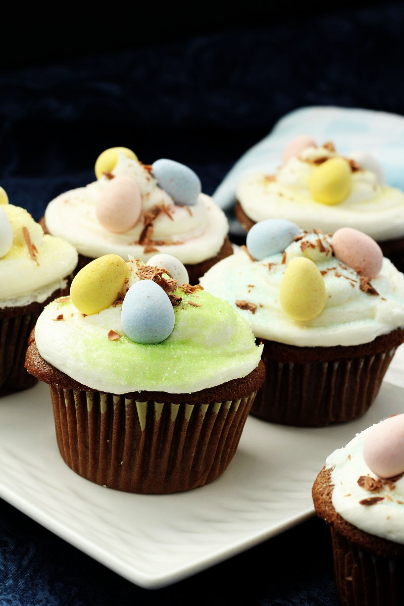 Copy Cat Kneader Easter Cupcakes