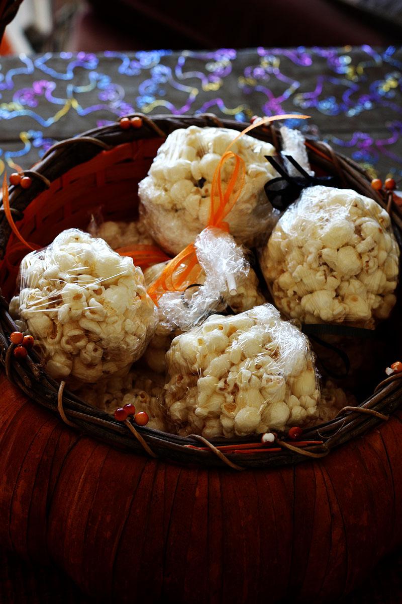 Tootsie Pop Popcorn Balls