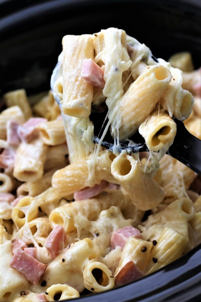 Easy Ham and Cheese Pasta