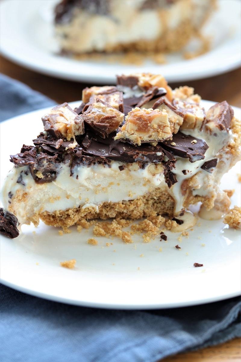 Snickers Ice Cream Pie