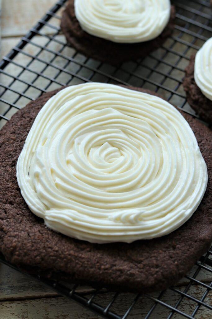 Copycat Crumbl Chocolate Oreo Cookies